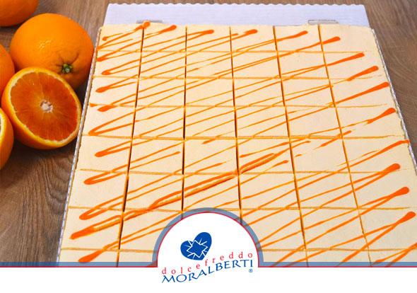 torta-cremosa-maxi-all-arancio-dolcefreddo-moralberti-pasticceria-artigianale-italiana